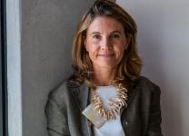 Elvira Carzaniga, Direttore Surface nella  Divisione Marketing & Operations di Microsoft Italia