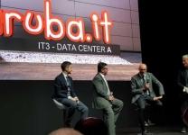 Da sinistra seduti Fabio Biancucci (Architetto Data Center Aruba), Giorgio Girelli (General Manager Aruba Enterprise) e Stefano Sordi (Direttore Commerciale Aruba)