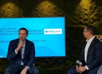MD, Global Head of Foundation Services and Barclays Group Operations Lithuania & Mark Rydqvist, Global Client Director - Barclays Group di Cisco sul palco del Cisco Live