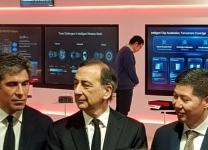 Da sinistra: Luigi De Vecchis, presidente di Huawei Italia - Giuseppe Sala, sindaco di Milano - Thomas Miao, Ceo di Huawei Italia