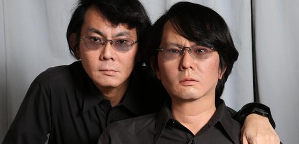 Lo scienziato Hiroshi Ishiguro e HI5, il suo gemello umanoide