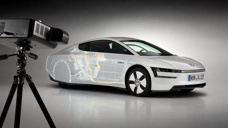 Applicazione di realtà mista in Volkswagen: proiezione di dati virtuali su un modello reale