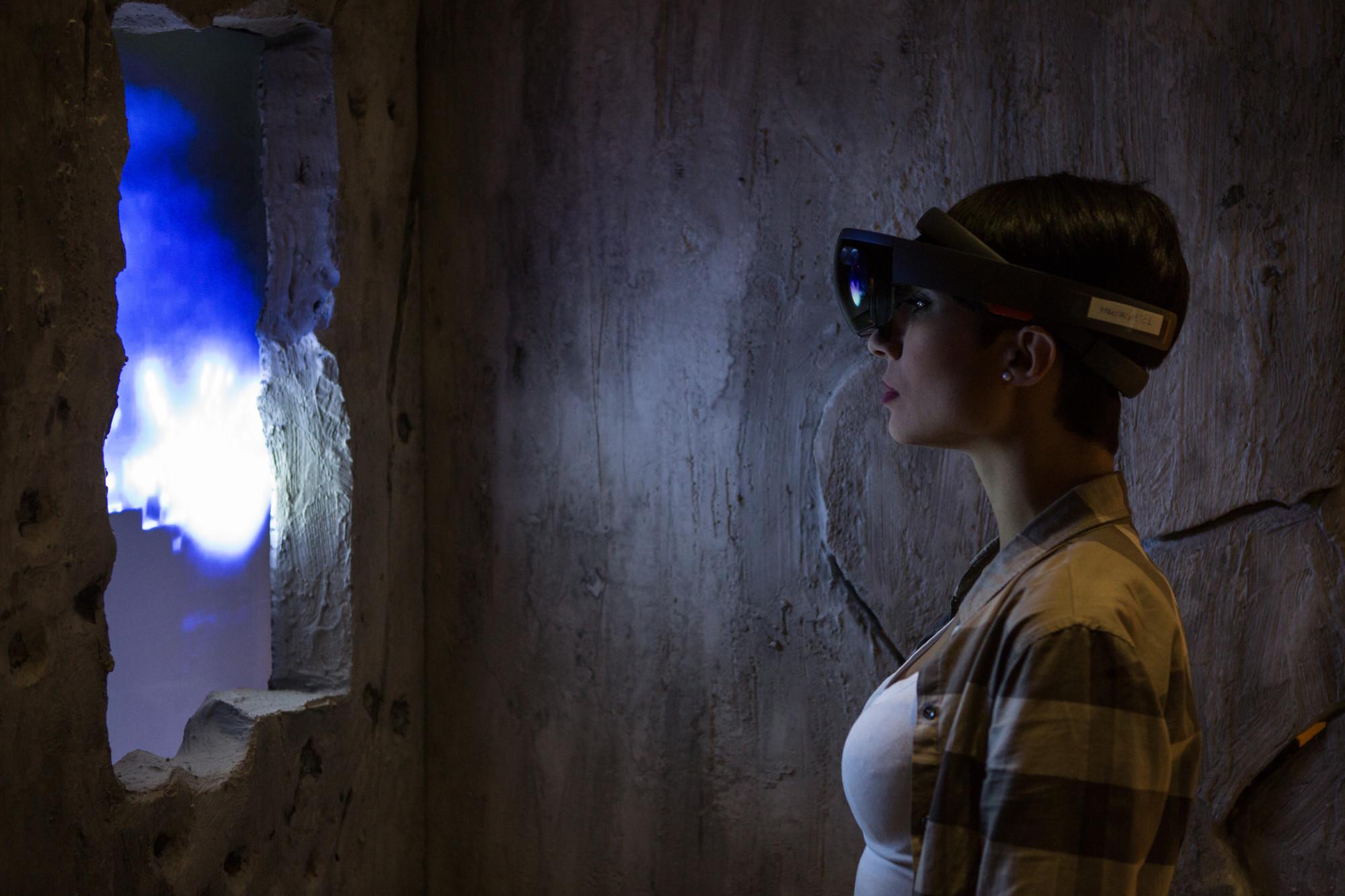 HoloLens, il progettato sviluppato da Microsoft, Acere Teorema per la mixed reality
