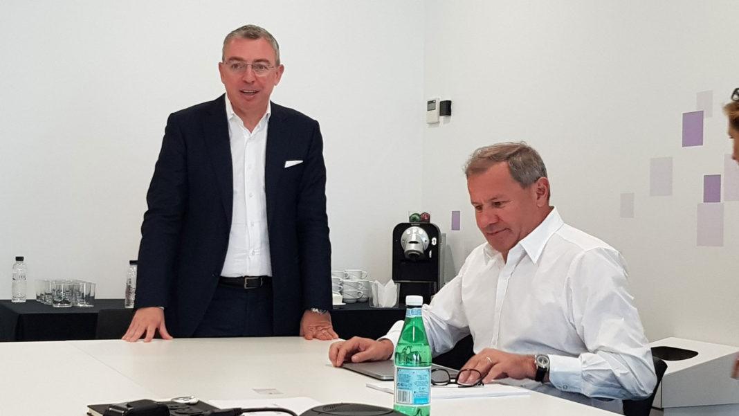 Raffaele Gigantino, Country Manager di VMware Italy e Maurizio Carli, Executive Vice President Worldwide Sales and Services di Vmware