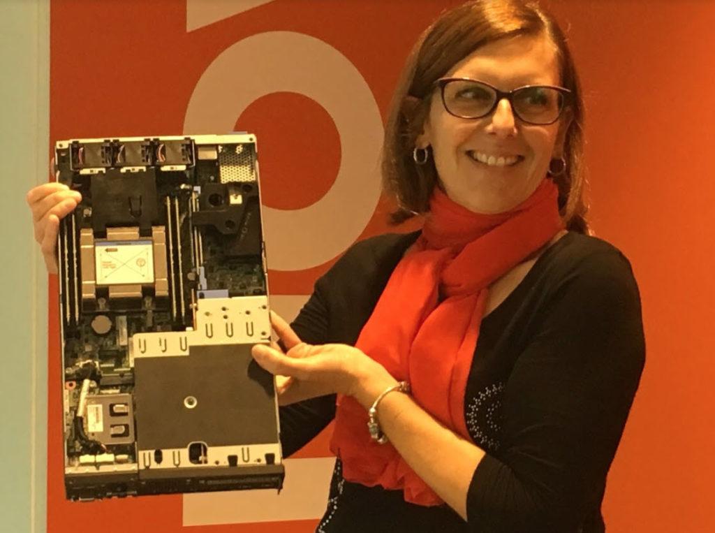 Roberta Marchini con ThinkSystem SE350
