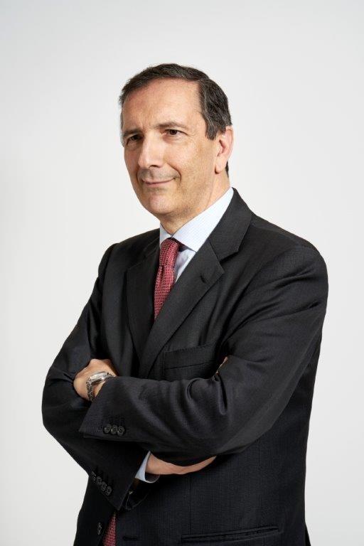 Luigi Gubitosi è Amministratore Delegato e Direttore Generale di Telecom Italia.
