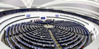 Parlamento Europeo - Big Tech